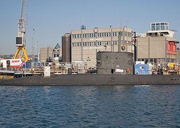 英核潜艇差点撞上客轮,军方调查
