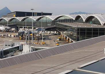 香港机场1名货运工初步确诊感染新冠病毒